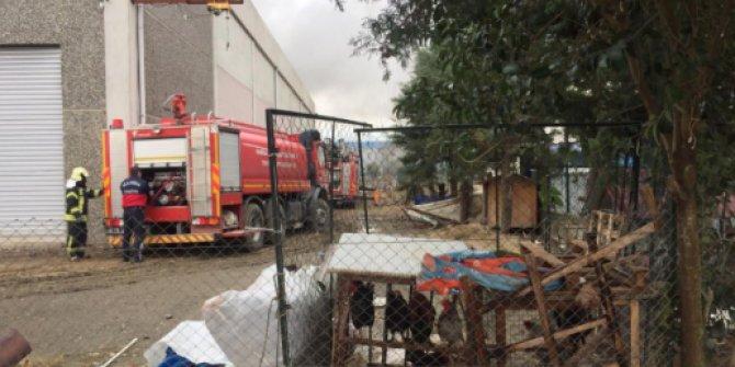 Manisa'da korkutan fabrika yangını!