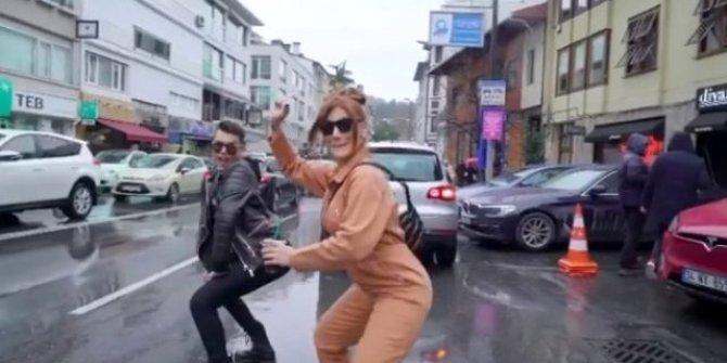 İrem Derici Kerimcan Durmaz ile kalça dansı sosyal medyayı salladı!