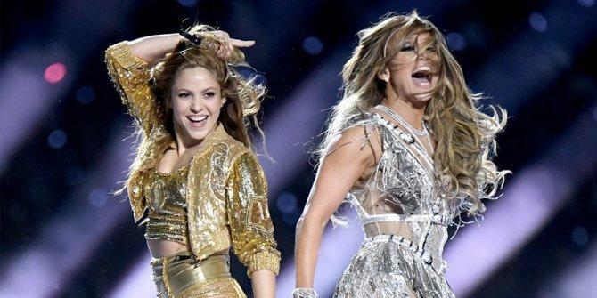 Super Bowl'da Shakira - Jennifer Lopez dansından dolayı cehenneme gidecek!