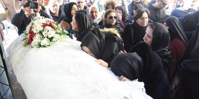 Uçak kazasında ölen Songül Bozkurt'un son yolculuğuna uğurlandı