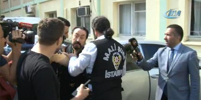 Adnan Oktar Sağlık Kontrollü için hastaneye götürüldü!