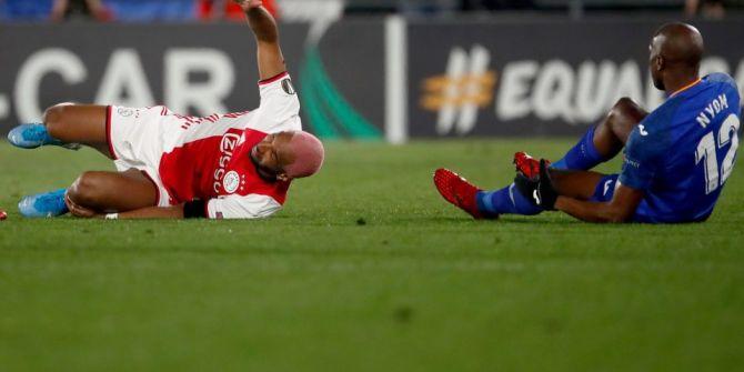 Ryan Babel Getafe - Ajax maçında sakatladığı rakip oyuncuyla dalga geçti!