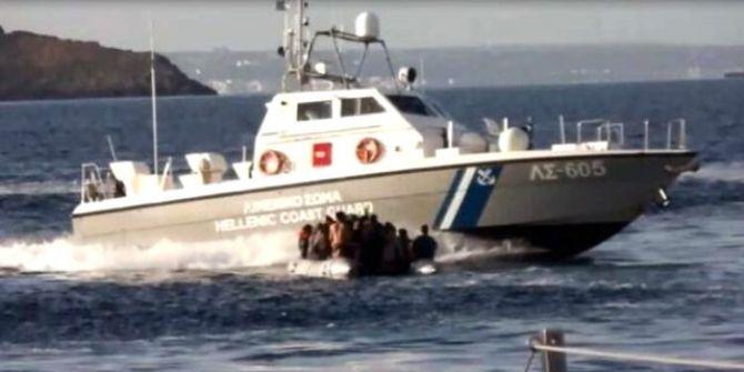Yunan Sahil Güvenliği'nin mülteci botunu batırmaya çalıştığı o anlar...