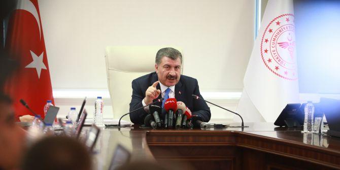 Sağlık Bakanı Koca'dan koronavirüslü yolcu hakkında açıklama