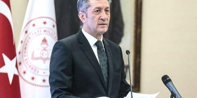 Milli Eğitim Bakanı Selçuk'tan okulların tatil olmasıyla ilgili açıklama