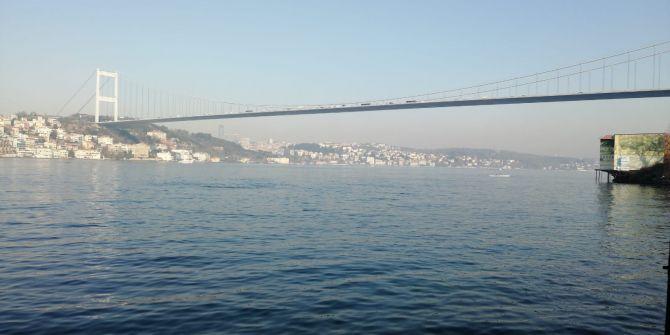 Fatih Sultan Mehmet Köprüsü'nden bir kişi kendini denize attı!