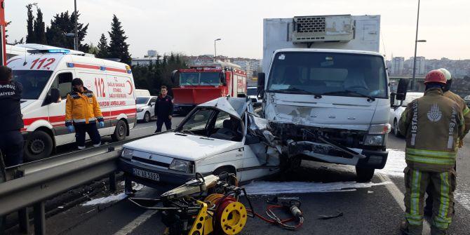 Bakırköy'de korkunç kaza! Sağ şeritte dururken bir anda...