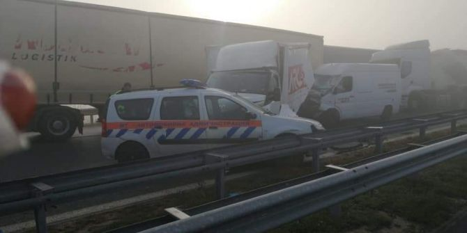 Bulgaristan'da 22 tır zincirleme kaza yaptı! Ortalık savaş alanına döndü