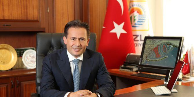 Tuzla Belediye Başkanı Dr. Şadi Yazıcı'dan doktorlara moral videosu