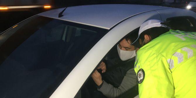 İstanbul'un giriş ve çıkışlarında koronavirüs denetimleri sürüyor