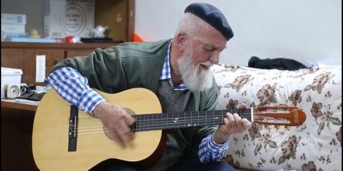 73 yaşındaki gitaristin