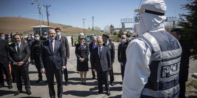 İçişleri Bakanı Süleyman Soylu, görev başındaki polisleri ziyaret etti!