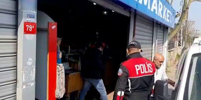 Sultangazi'de yasağa uymayan markete polis ekipleri baskın düzenledi!
