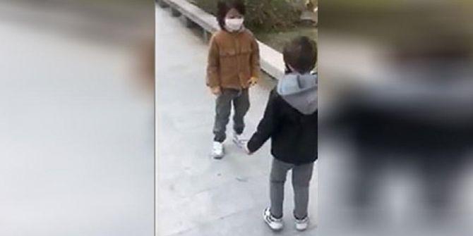 78 günlük hasret sona erdi! Çin'de iki çocuk birbirlerine böyle sarıldı!