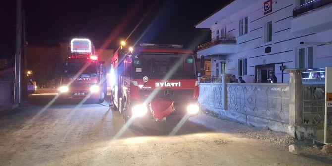 Karaman'da evi yanan kadının feryadı yürekleri dağladı!