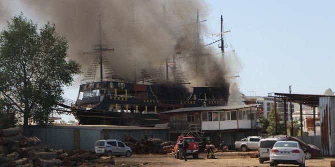 Antalya'daki katamaran yangınında can pazarı yaşandı!