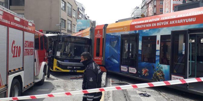 Sultangazi'de korkunç kaza! Raydan çıkan tramvay İETT otobüsüyle çarptı
