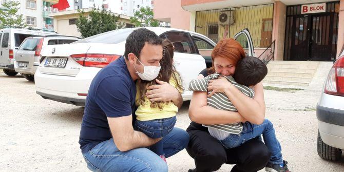 Sağlıkçı anne ve baba 1 aydır görmedikleri çocuklarına kavuştu! Gözyaşları sel oldu