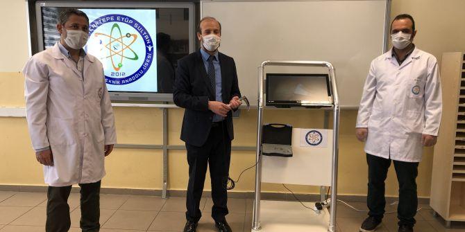 Türk öğretmenlerden büyük başarı! Artık doktor ile hastanın teması önlenecek