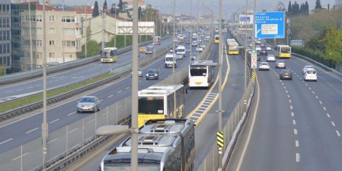 Sokağa çıkma yasağının ardından İstanbullular yollara döküldü!