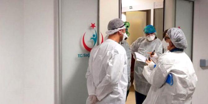 Koronavirüsten hayatını kaybeden hastanın yakınları doktora oksijen tüpüyle saldırdı!