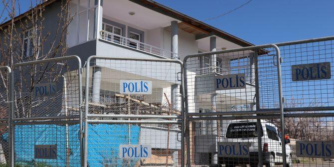 Van'da 76 evin bulunduğu iki sokak ve bir cadde karantinaya alındı!