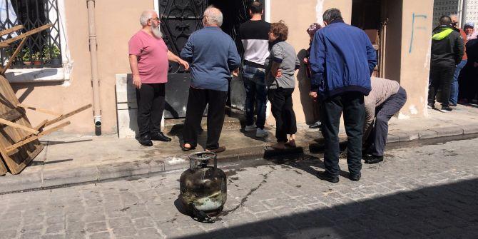 Beyoğlu'nda tüp patladı! Mahalleli sokağa döküldü