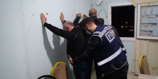 Mardin'de kumar baskını! Tam tamına 39 bin 375 lira para cezası verildi