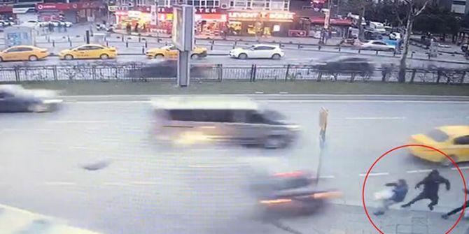 İstanbul Büyükdere Caddesi'nde makas dehşeti! 1 ölü, 3 yaralı