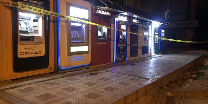 Miras için babasına kızdı! Sinir krizi geçirip ATM'leri çekiçle parçaladı