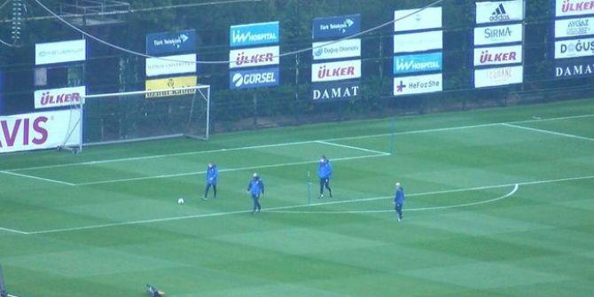 Fenerbahçeli oyuncular saha çalışmalarına kaldığı yerden devam ediyor!