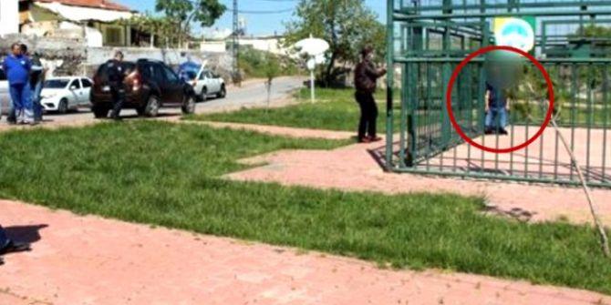 Kayseri'de görenler şok oldu! Kendisini basketbol sahasındaki demirlere astı