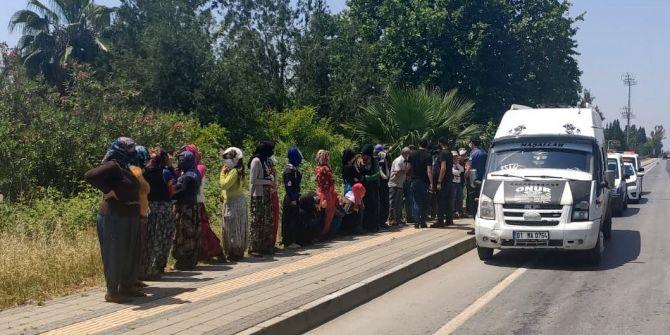 Adana'da şaşırtan olay! 14 kişilik dolmuştan 35 kişi çıktı