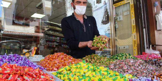 Koronavirüsten dolayı bayram şekerlerine rağbet azaldı!