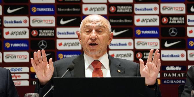Nihat Özdemir'den maçların seyircili oynanmasıyla ilgili açıklama!