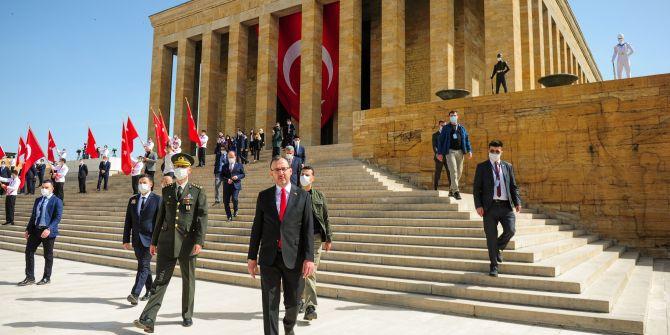 Bakan Kasapoğlu'ndan 19 Mayıs'ta Anıtkabir ziyareti!