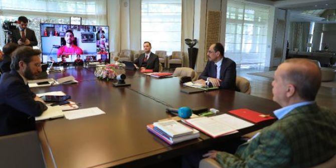 19 Mayıs'ta Cumhurbaşkanı Erdoğan video konferans aracılığıyla gençlerle görüştü!
