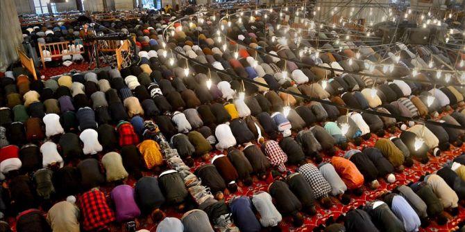 Din İşleri Yüksek Kurulu açıkladı! Camilerimizde bayram namazı kılınacak mı?