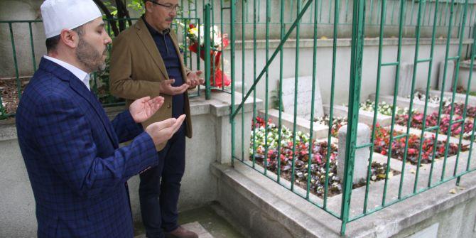 Necip Fazıl Kısakürek, ölüm yıl dönümünde mezarı başında anıldı!
