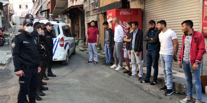 İstanbul'da kısıtlamayı delenlere 8 kişiye 25 bin 200 lira ceza!