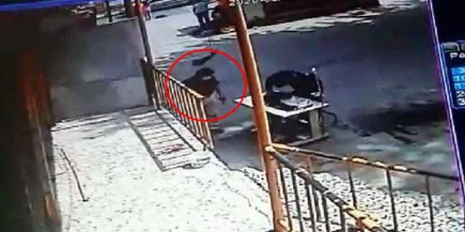 Sultangazi'de başına dördüncü kattan caraskal düşen işçi hayatını kaybetti!