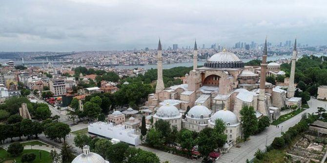 Ayasofya'da okunacak Fetih Suresi Yunanistan'ı rahatsız etti!