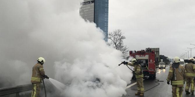 TEM'de korkutan araç yangını!