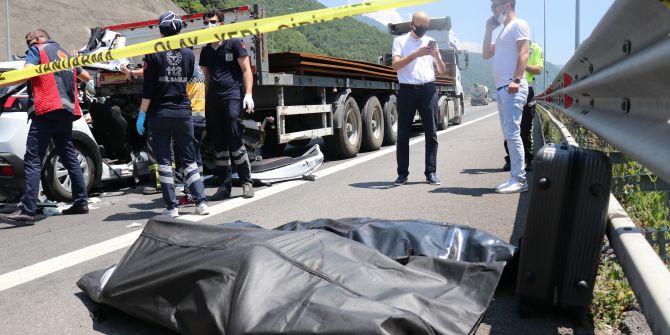 Bolu'da korkunç kaza! Cip TIR'a ok gibi saplandı
