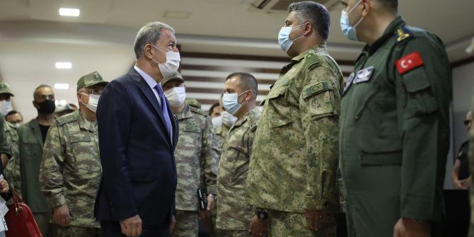 Bakan Akar, Libya'da kritik temaslarda bulundu!