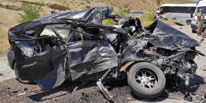Tunceli-Elazığ karayolunda feci kaza! 1 ölü, 17 yaralı