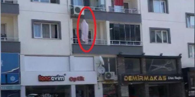 Bursa'da korkunç manzara! Evinin balkonunda asılı halde bulundu
