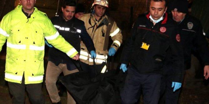 Tuzla'da elektrik direğine çıkan kişi hayatını kaybetti